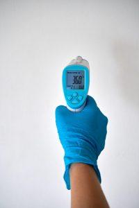 termómetro contra covid